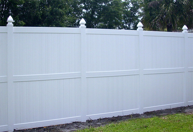 White vinyl fences fence gate
