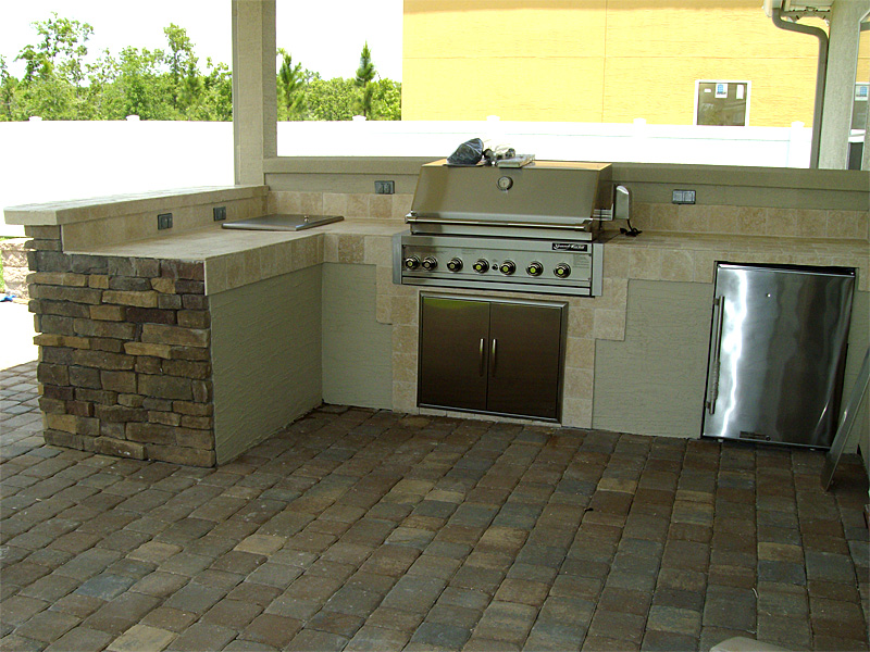 The walls and backsplash ideas outdoor kitchen ideas for Outdoor kitchen wall ideas